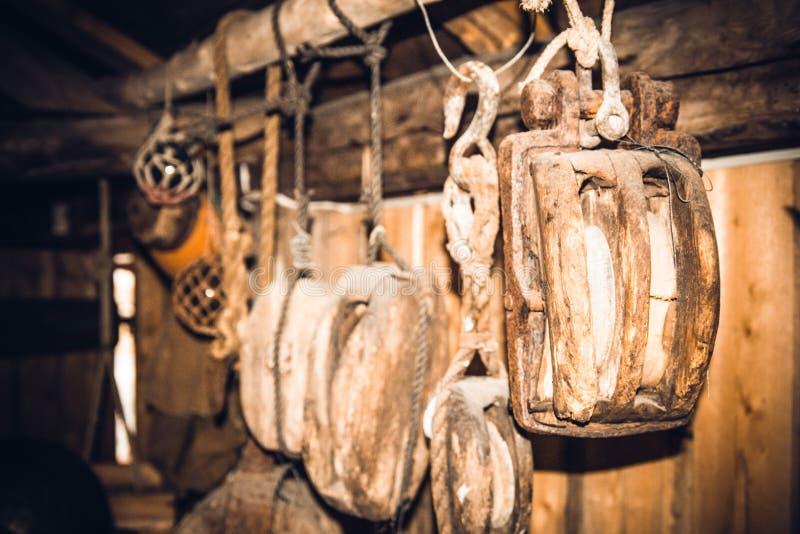 Oude zeemanshulpmiddelen stock foto's