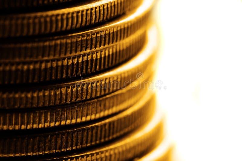 Oude Zilveren Muntstukken voor Contant geldgeld die Rijkdom en Rijkdom vertegenwoordigen royalty-vrije stock foto's