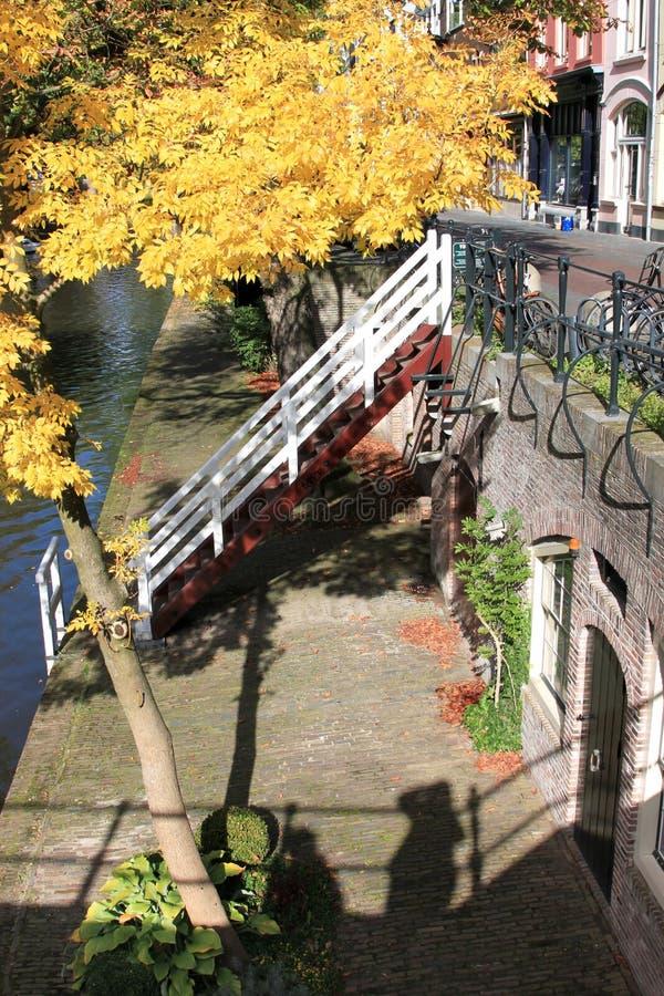Oudegracht con i moli a Utrecht, Paesi Bassi immagini stock