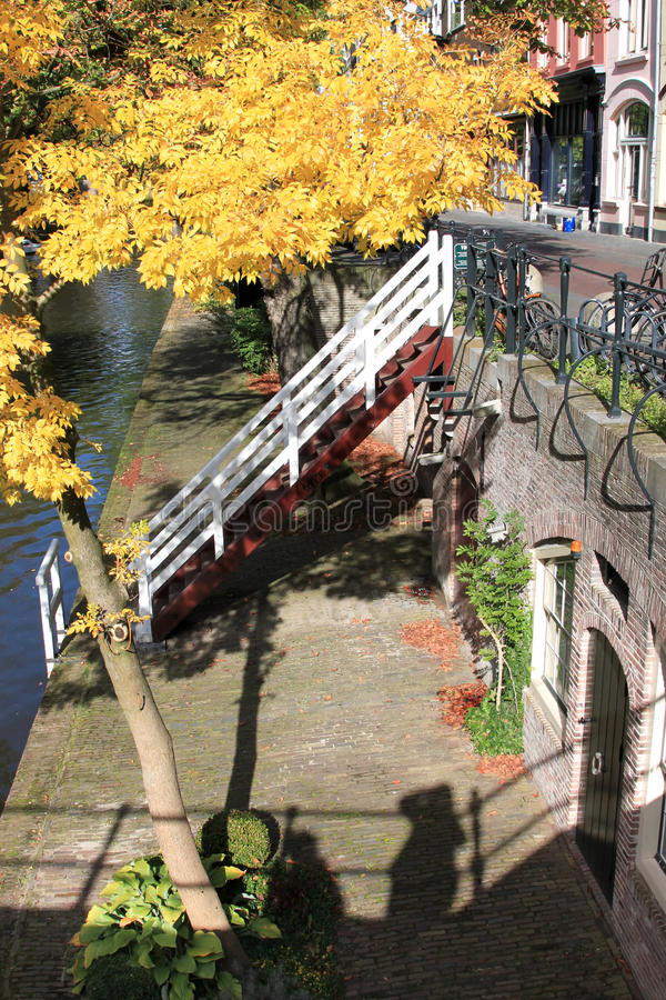 Oudegracht z nabrzeżami w Utrecht holandie obrazy stock