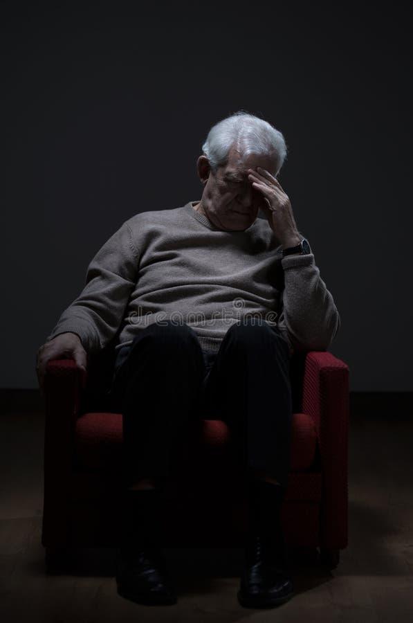 Oudere mensendepressie royalty-vrije stock afbeeldingen