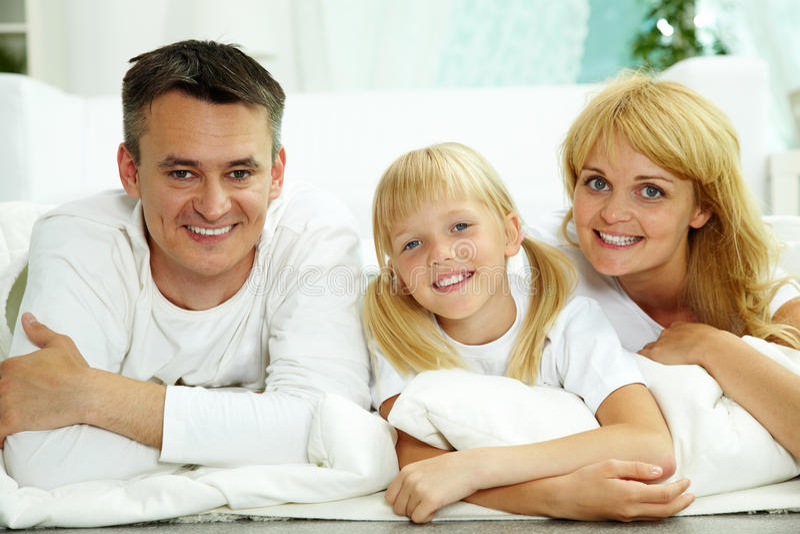 Ouders en dochter stock afbeelding