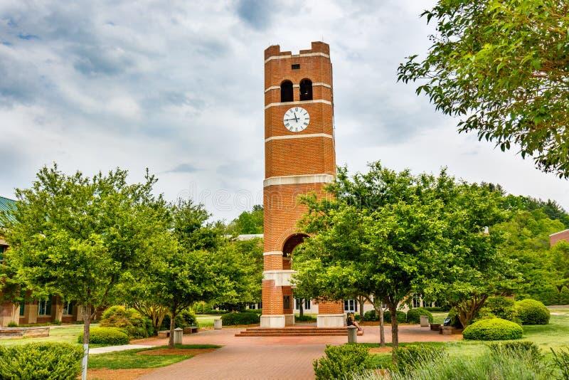 Oudstudententoren in Westelijke Carolina University stock foto