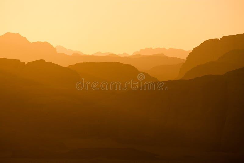 oued éloigné de coucher du soleil de rhum de côtes photos stock