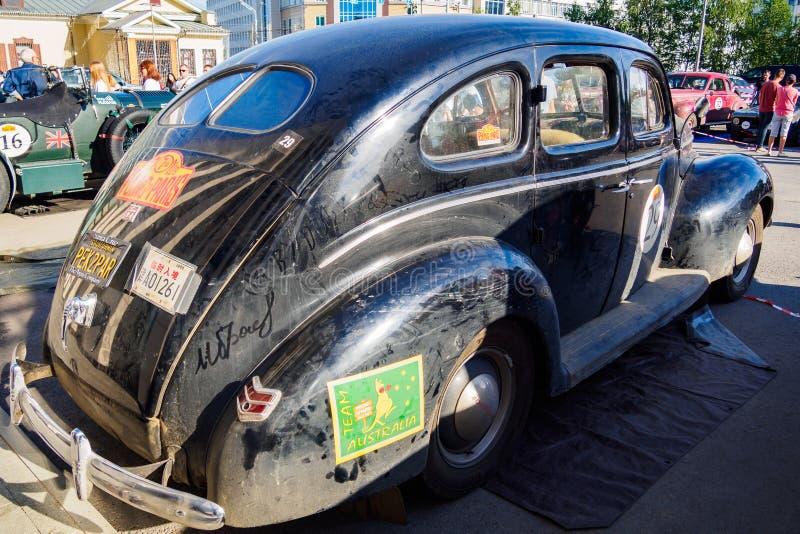 Oufa, Russie, le 22 juin 2019 : 7ème Pékin au défi de moteur de Paris Ford Deluxe Fordor est une voiture de luxe américaine 1940 image stock