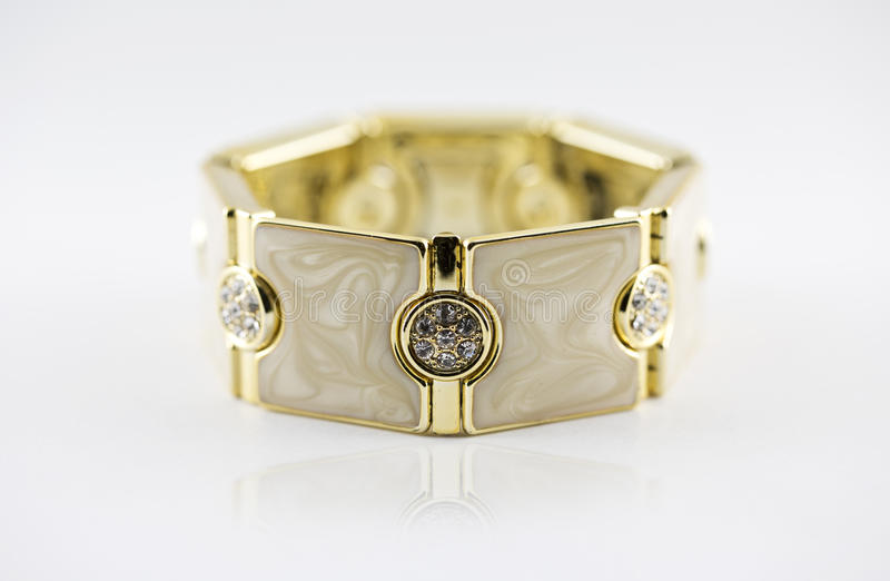 Ouro da pulseira imagens de stock