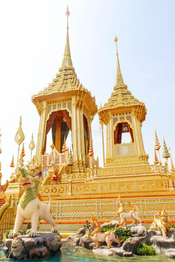Ouro do crematório real para o rei Bhumibol Adulyadej no 4 de novembro de 2017 foto de stock