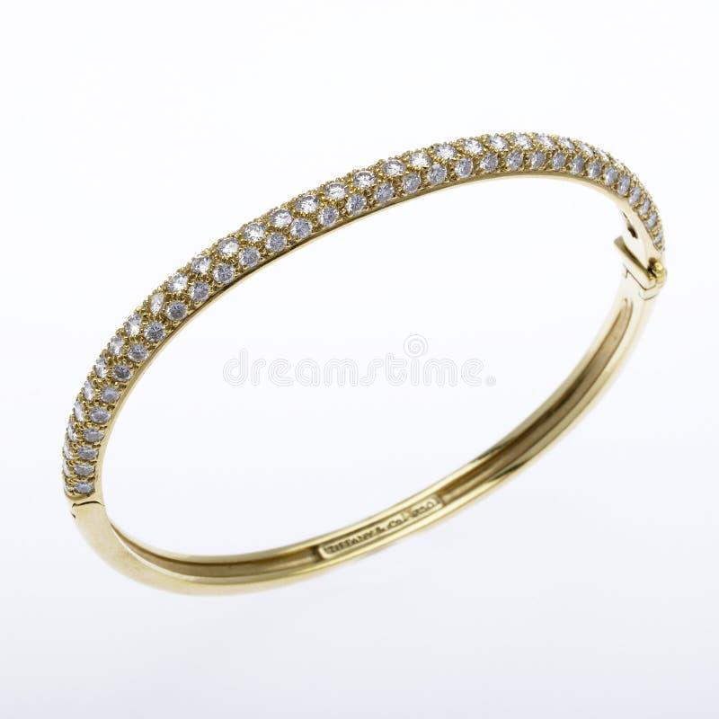 Ouro e bracelete do diamante fotografia de stock