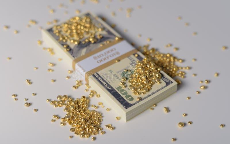 Ouro e dinheiro foto de stock royalty free