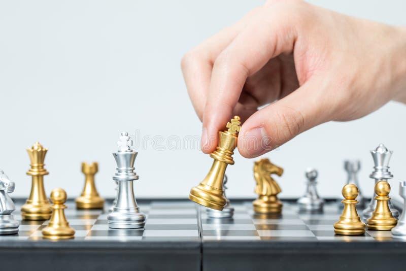 Ouro e xadrez de prata fotografia de stock royalty free