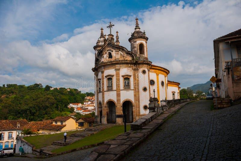 Ouro Preto, Minas Gerais, Brasil: A igreja famosa de St Francis de Assisi, uma igreja Católica dos rococós em Ouro Preto, Brasil  fotos de stock