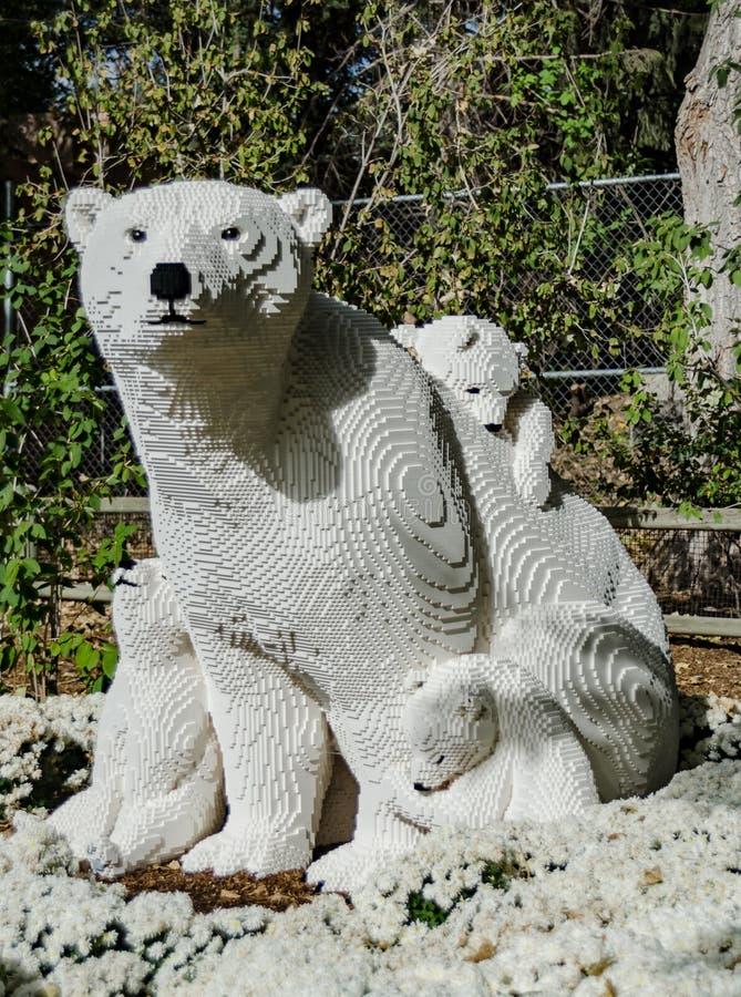 Ours blanc Lego Statue photographie stock libre de droits