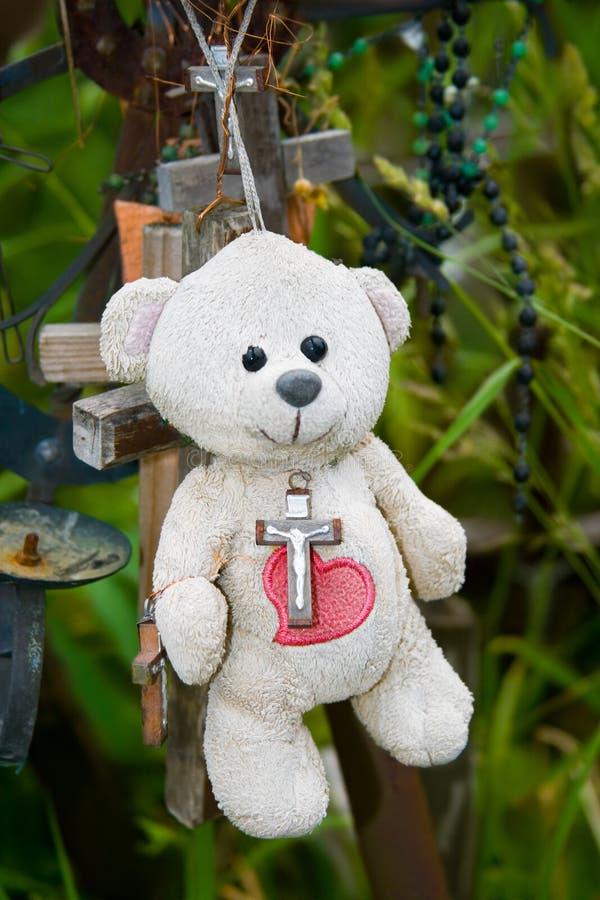 Ours de nounours avec le coeur rouge photographie stock libre de droits