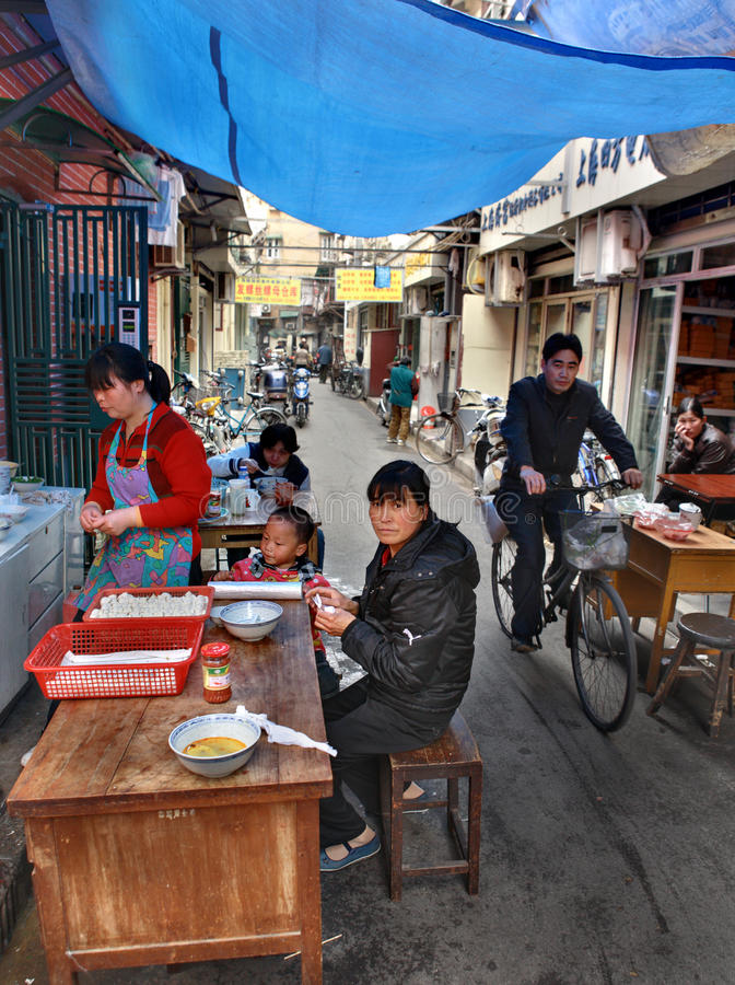 Free Outdoor Eatery In Narrow Street Of Shanghai, Chinese Fastfood. Stock Photography - 41221612