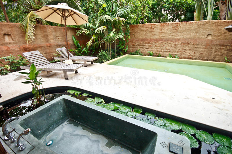 outdoor jacuzzi bathtub images. Black Bedroom Furniture Sets. Home Design Ideas
