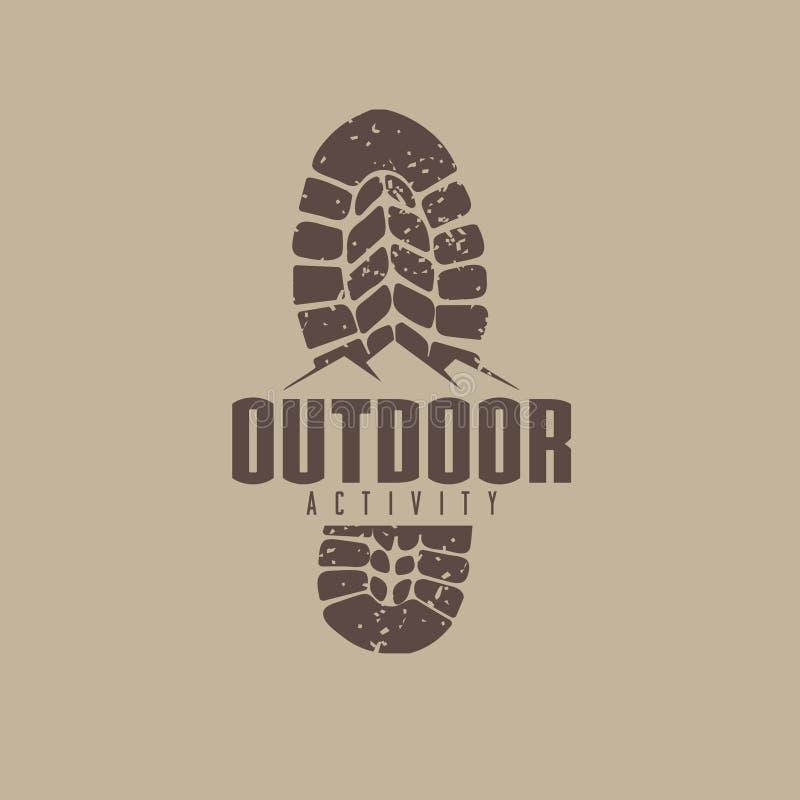 Outdoor Logo Idee mit Stiefel- und Bergbahn stock abbildung