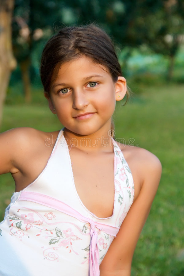 Very small girl youngleafs — photo 1