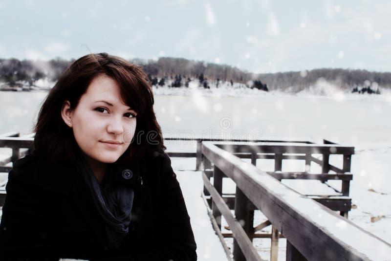 outdoors стоя женщина стоковое изображение rf