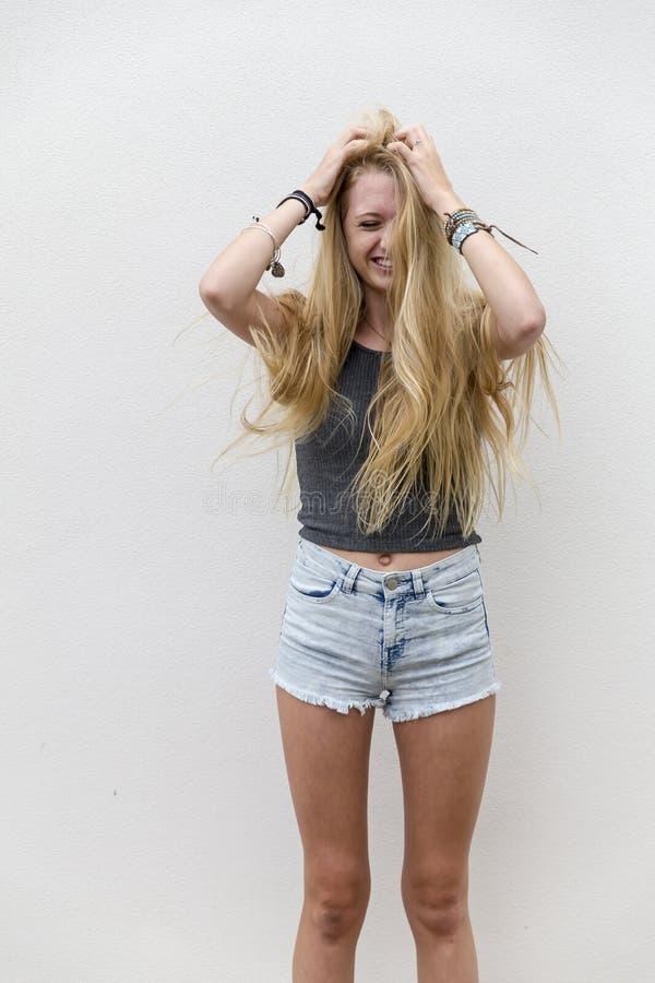 Download Outdoors Modèle Adolescent Blond Image stock - Image du cheveu, femelle: 56489791
