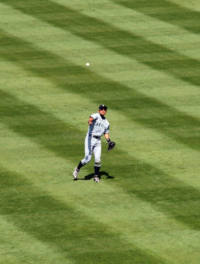outfield ichiro σφαιρών το suzuki ρίχνει στοκ φωτογραφία με δικαίωμα ελεύθερης χρήσης