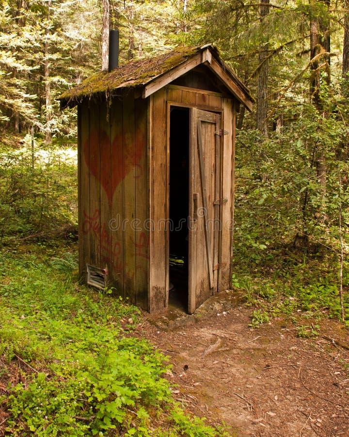 outhouse деревенский стоковое фото rf
