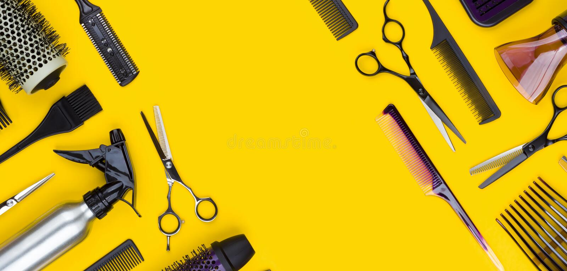Outil de coupe et accessoires professionnels élégants de cheveux avec l'espace de copie image libre de droits
