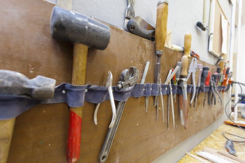 Outil manuel dans le carpenter& x27 ; atelier de s photos libres de droits