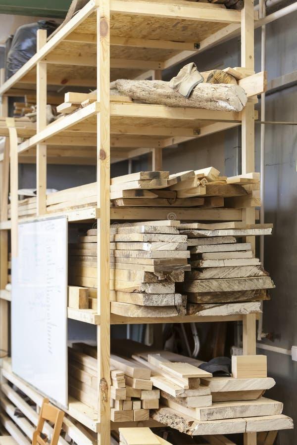 Outil manuel dans le carpenter& x27 ; atelier de s photos stock