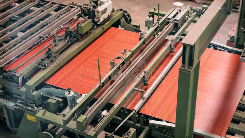 Outillage industriel utilisé pour la production des panneaux et de la feuille images libres de droits