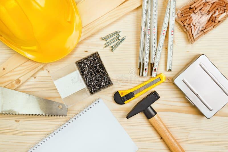 Outils assortis de boisage et de menuiserie ou de construction image stock
