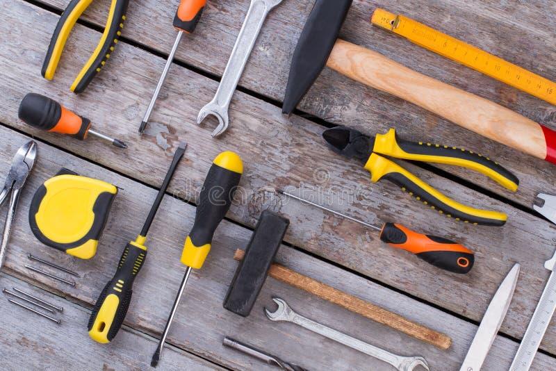 Outils assortis de boisage, de menuiserie ou de construction images stock