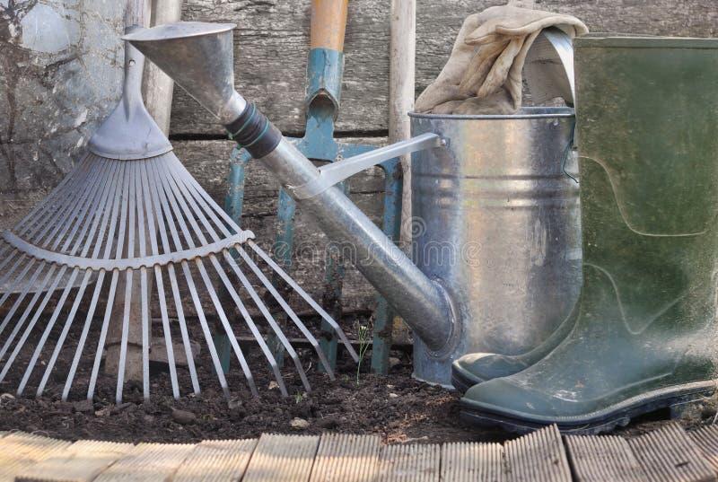 Outils de jardinage neufs, plateau de canne images libres de droits