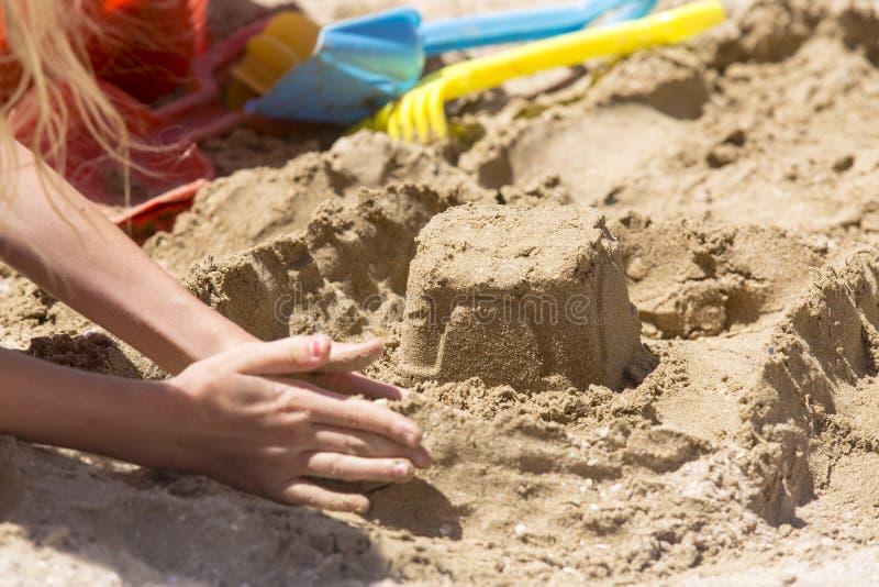 Outils de pâté de sable et de jouet image libre de droits