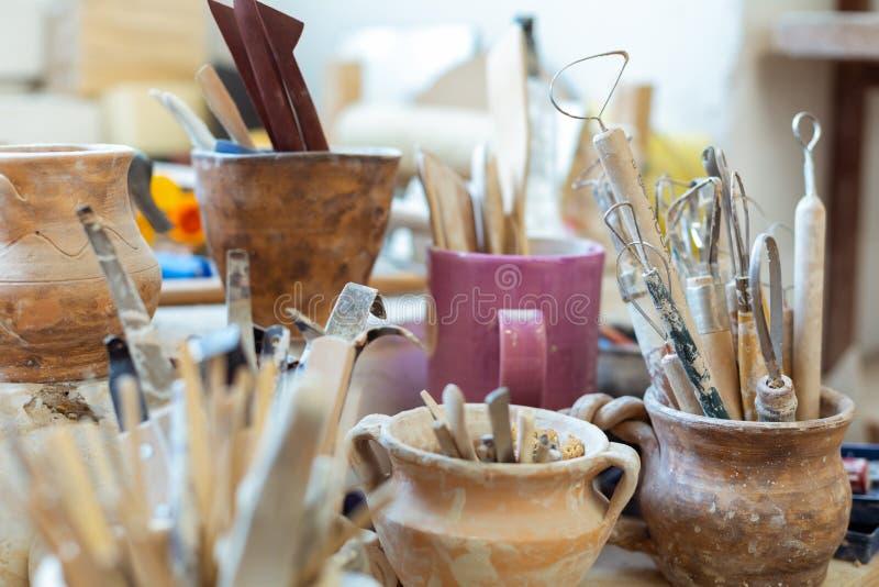 Outils de poterie pour d?couper et cr?er de nouvelles figures image libre de droits