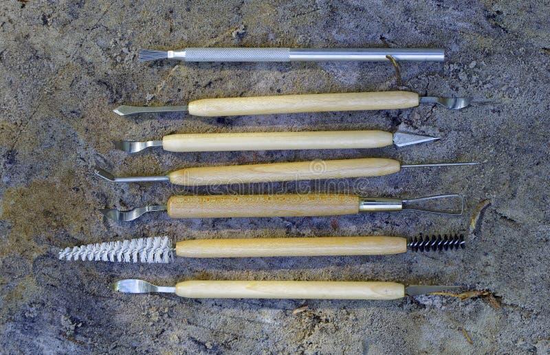 Outils pour le nettoyage qualitatif des découvertes dans l'archéologie photos libres de droits