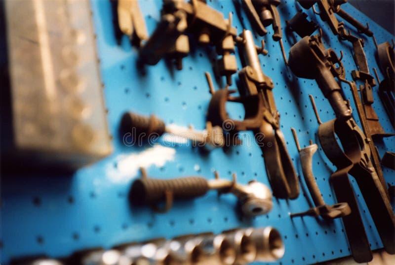 Outils sur le bleu photographie stock