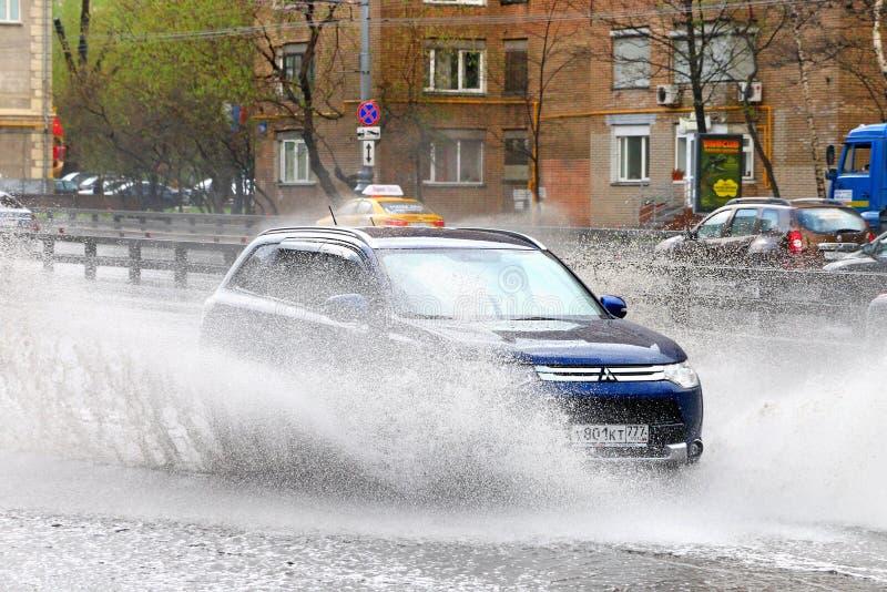 Outlander de Mitsubishi images libres de droits