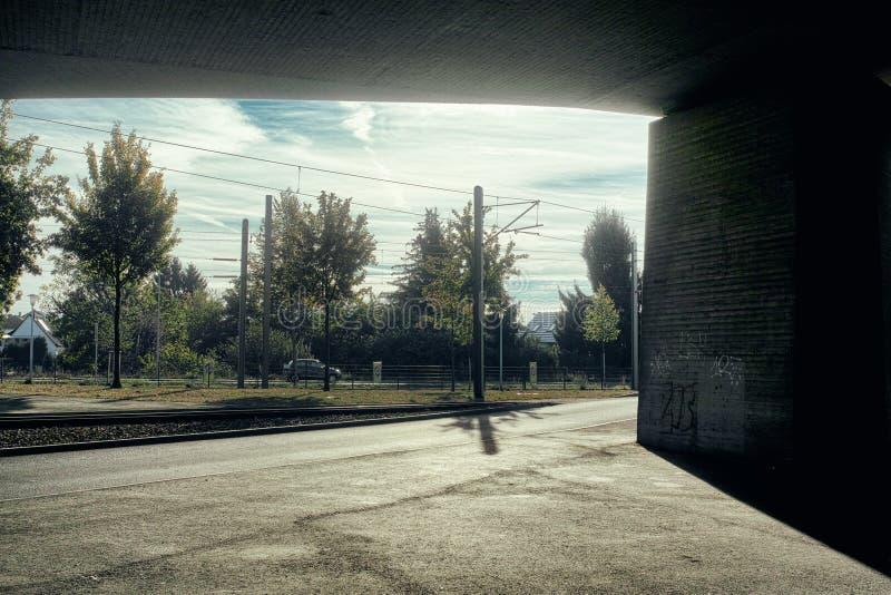 outono concreto do countryroad do céu do transporte da natureza do prado do metro do metro de Mannheim Alemanha imagens de stock royalty free