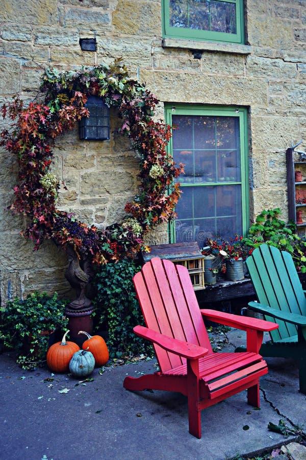 outono de pedra da casa imagens de stock