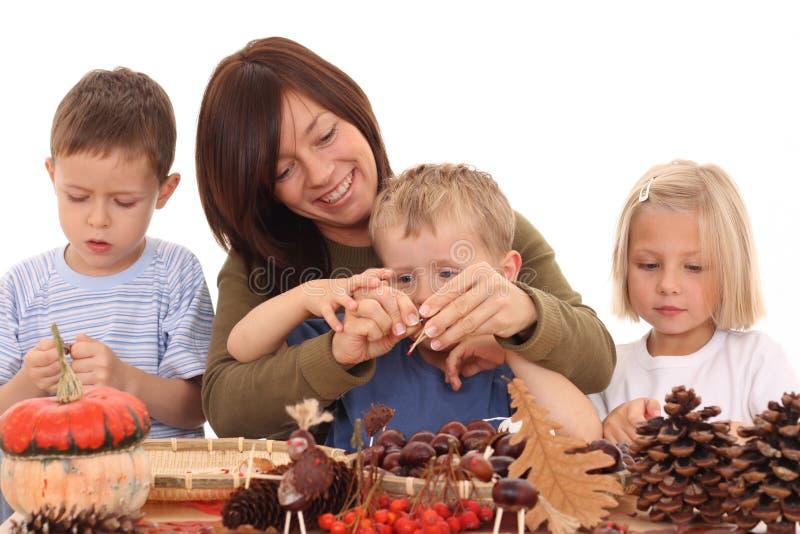 Outono - fazendo a decoração imagens de stock