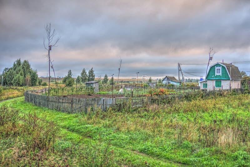 Outono na casa de campo fotografia de stock