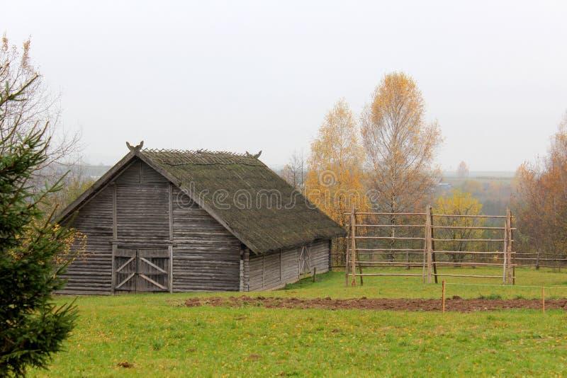 outono na exploração agrícola de meus antepassados foto de stock