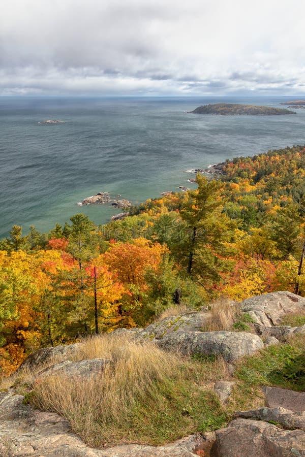 outono na montanha de Sugarloaf em Marquette Michigan fotografia de stock