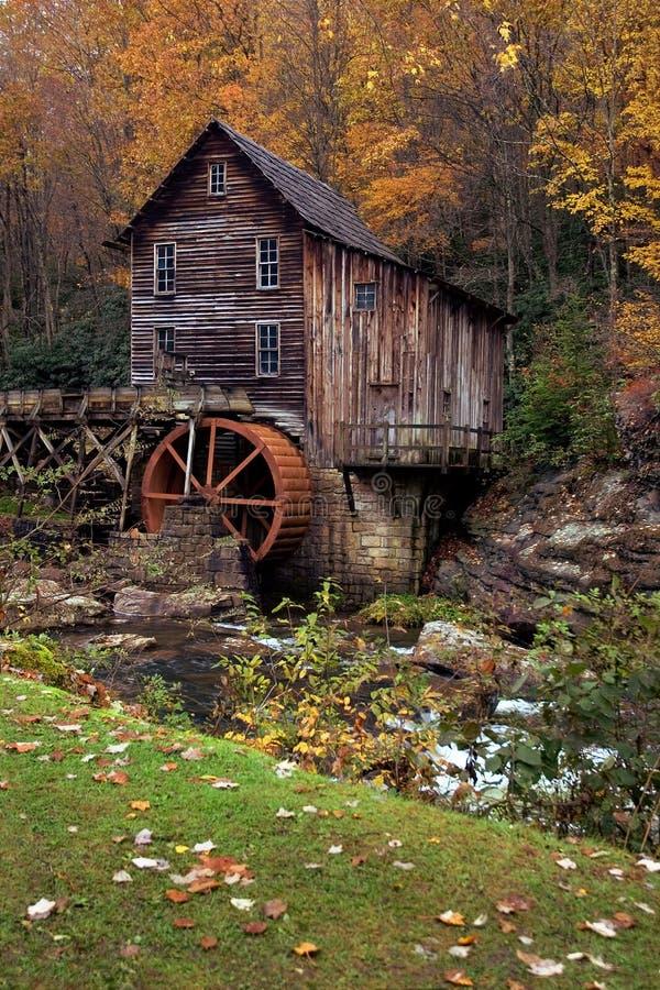 Outono no moinho da munição imagens de stock