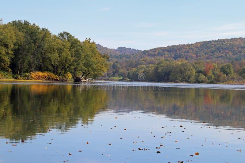 outono no Rio Susquehanna imagens de stock royalty free
