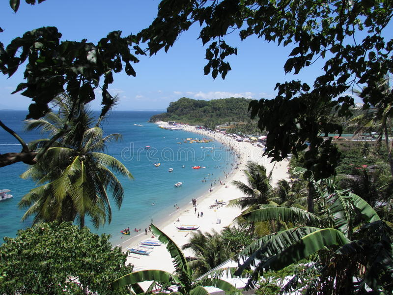 Outros veem a praia branca - Puerto Galera fotos de stock
