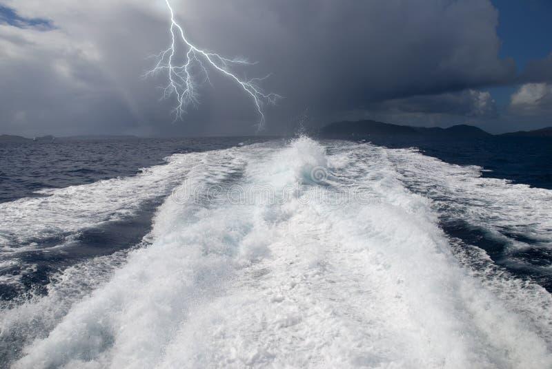 outrunning шторм стоковая фотография rf