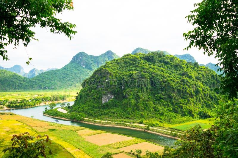 Outside Phong Nha Ke Łomota naturalną prezerwę, Wietnam fotografia royalty free