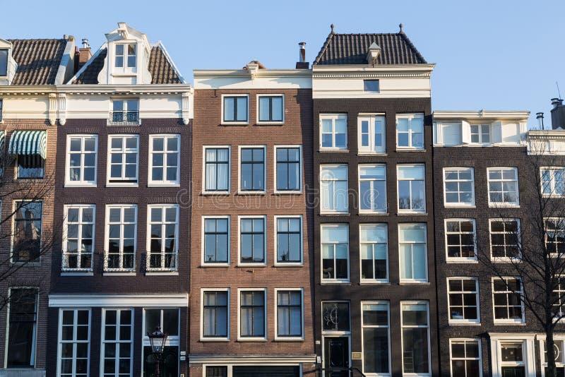 Outside typowi domy w Amsterdam obraz royalty free