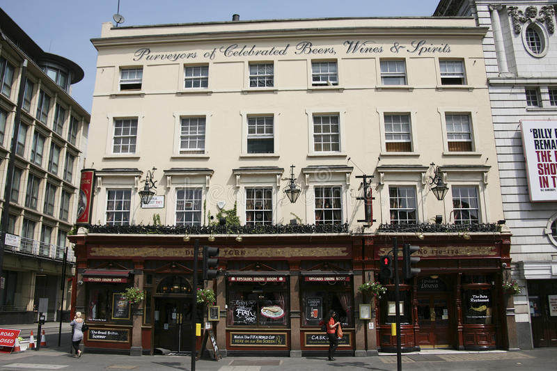 Download Outside View Of A English Pub Editorial Photography - Image: 23710167